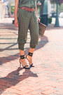 Light-brown-clare-vivier-bag-black-gucci-sandals-brown-ralph-lauren-belt