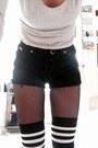 Crimson-combat-dr-martens-boots-black-vintage-levis-shorts