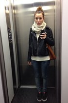 beige soft wool handmade scarf - sky blue skinny jeans Primark jeans