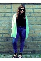 black cotton Terranova top - navy high waisted Bershka jeans