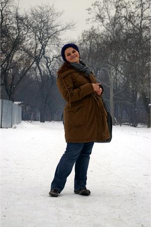 jeans - hat - jacket - scarf - bag - sneakers