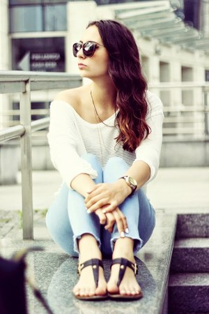 gold H&M necklace - light blue Topshop jeans - off white H&M top