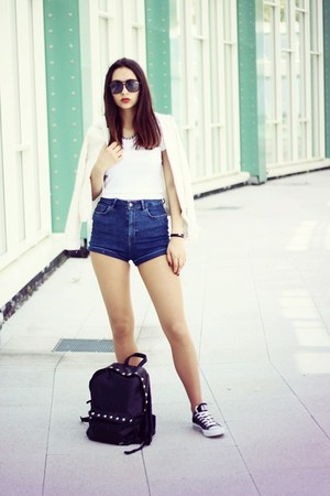 navy pull&bear shorts - off white new look top