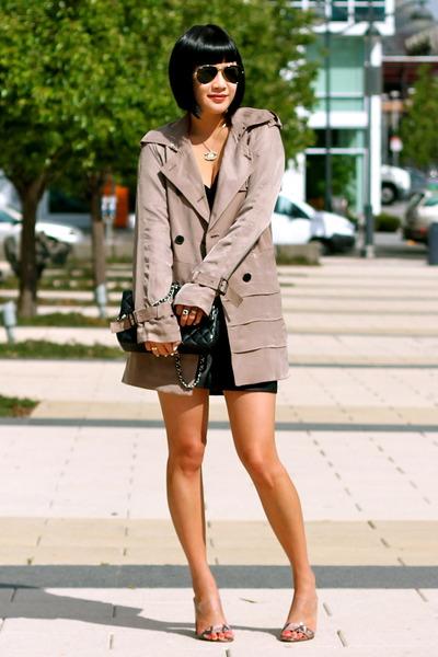 trench Club Monaco coat - Chanel bag - Club Monaco shorts
