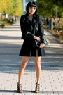 Club-monaco-jacket-chanel-bag-aviator-ray-ban-sunglasses
