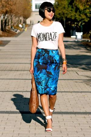 brown Gucci bag - Selima sunglasses - white Via Spiga sandals
