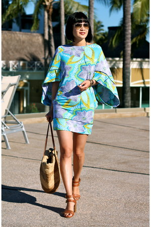 Trina Turk dress - ray-ban sunglasses - Dolce Vita sandals