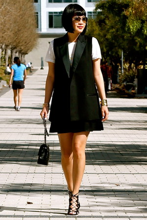 black madewell vest - black pleated Club Monaco skirt