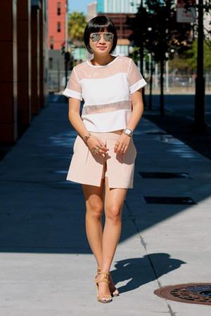 pink Club Monaco shorts - silver dior sunglasses - nude Chloe heels