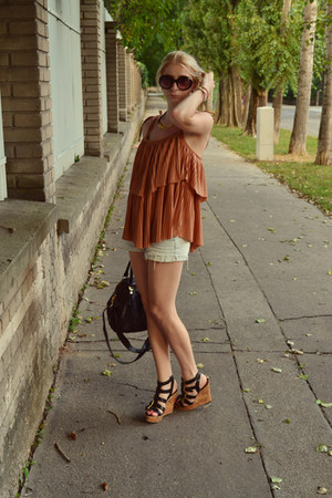 black lindex bag - black deichman wedges - tawny H&M top