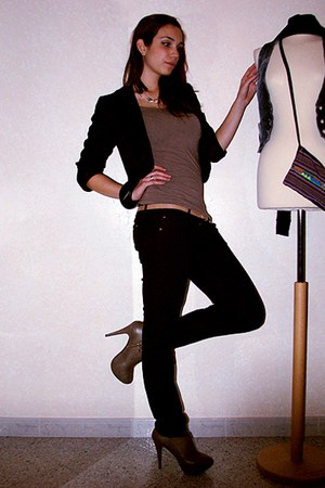 tan Bershka shirt - black Dontremember pants - tan Zara shoes - gold Accessorize