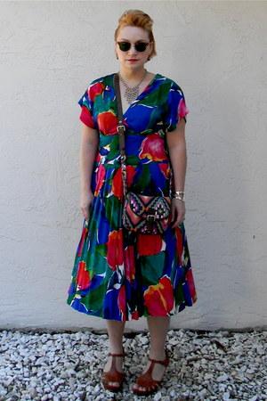 vintage unknown sunglasses - vintage dress unknown brand dress