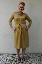 gold Adele Simpson dress - sparkle banana republic necklace