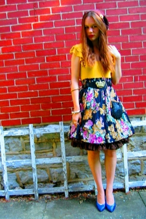 Old Navy top - vintage skirt - vintage shoes - vintage purse - hat