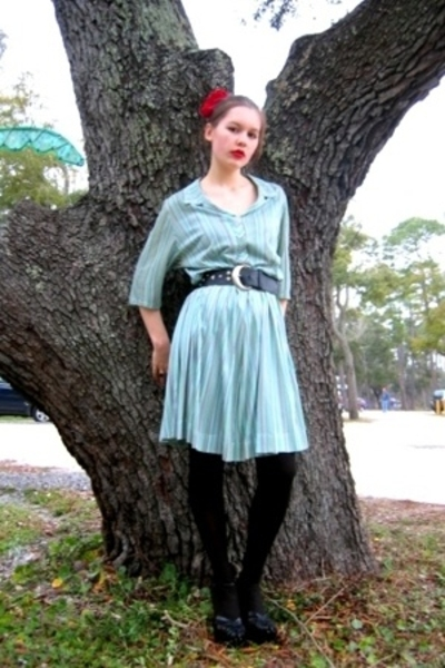 Bedford Antiques dress - Salvation Army belt - Dollar Tree tights - hat - Volunt