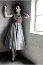 Heather-gray-1950s-atomic-warehouse-dress-ruby-red-glitter-thrifted-pumps