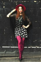 vintage hat - layered random brand tights - Levis necklace - Tabio heels