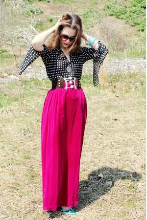 black polka dot vintage shirt - turquoise blue bangles vintage bracelet - turquo