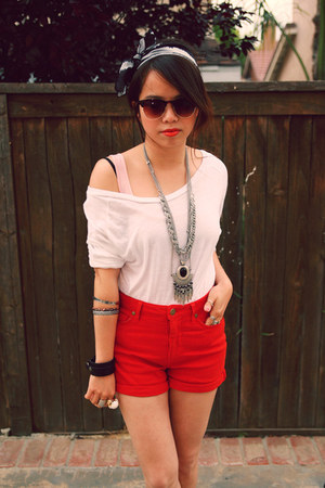 red shorts - white cotton top - black leather heels