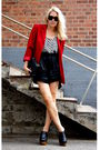 Red-2ndhand-blazer-black-2ndhand-shorts-white-h-m-top-black-jeffrey-campbe