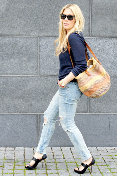 black acne heels - navy JC sweater - burnt orange 2ndhand bag