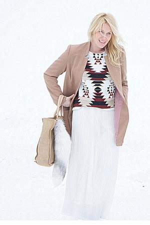 white 2ndhand skirt - tan hm coat - neutral raffia Talulah bag