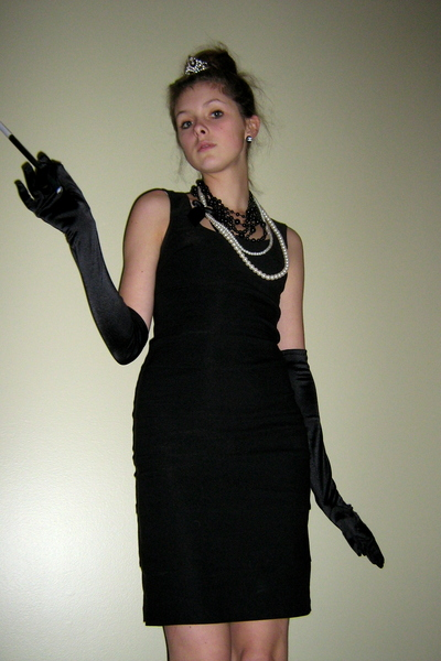Dynamite Dresses Gloves Necklaces Breakfast At Tiffanys By