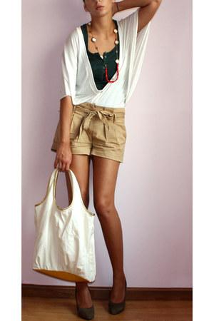 camel Terranova shorts - eggshell Dorothy Perkins cardigan