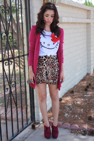 magenta botties go jane shoes - brown high waisted Forever 21 shorts