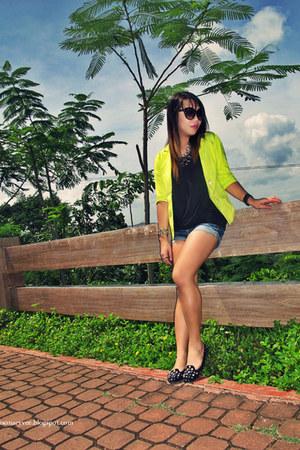 chartreuse neon blazer - dark gray tunic blouse