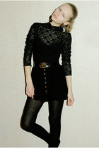 black lace body blouse - black golden buckle belt - black button up skirt