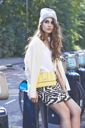 Mango t-shirt - FYT & Co hat - vintage bag - River Island skirt - Mango cardigan