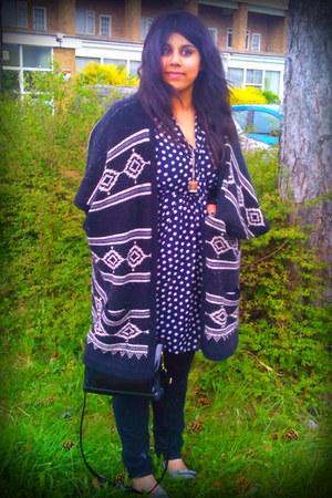 polka dot Primark dress - black Primark jeans - vintage bag - grey bow red herri