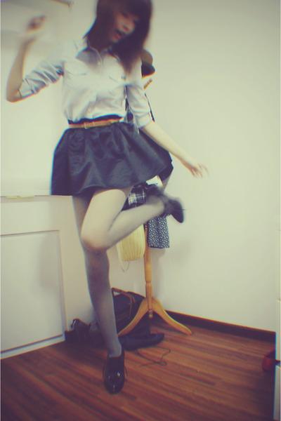 blue unknown brand shirt - black Forever 21 skirt - silver unknown brand stockin