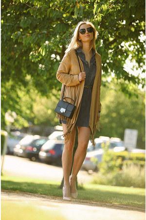light brown suede Zara cape - navy denim Zara dress