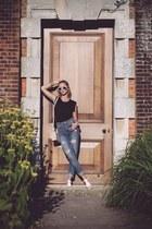 white white Miu Miu sunglasses - blue boyfriend jeans Zara jeans