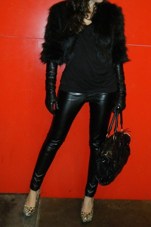 black Only leggings - brown Mango shoes - BLANCO gloves - t-shirt - Mango coat