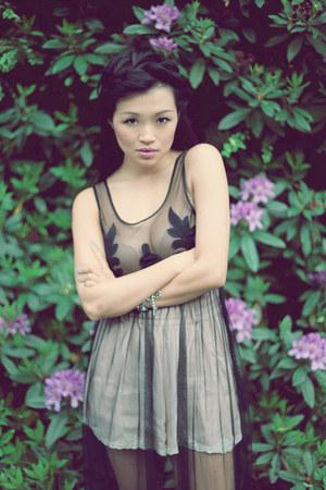 black nastygal dress - eggshell H&M shorts