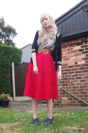 newlook Blue heels - vintage Red skirt - topshop floural blouse - primark Navy c