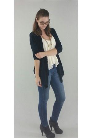 navy Levis jeans - off white Tobi blouse - navy Dana Buchman cardigan