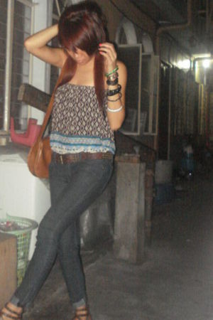 thrifted top - Forever 21 jeans - from SM shoes - Nine West purse - from Quiapo