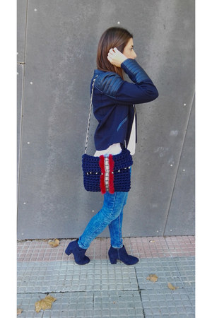 navy H&M jacket - blue pull&bear jeans - navy The Unique Peacock bag