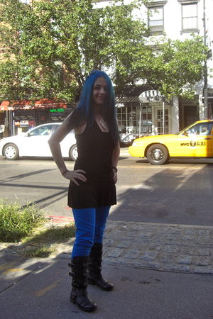 blue City streets jeans - black decree boots - black vest - black top