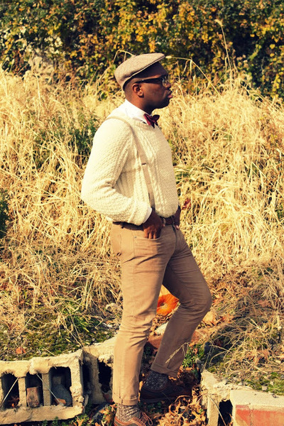 crimson bow Brooks Brothers tie - tawny corduroy JCrew pants