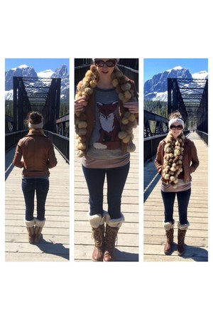 tan fox asos sweater - brown snow boots shoes