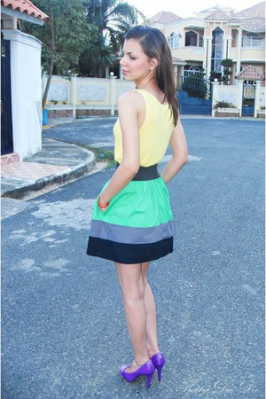 yellow rosette top - chartreuse skirt - light purple heels