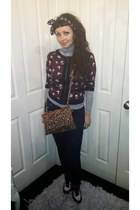 polo neck H&M t-shirt - high waisted H&M jeans - navy bandana vintage scarf