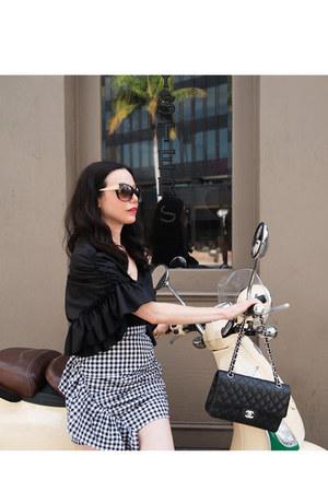 black storets skirt - black Chanel bag - black storets top