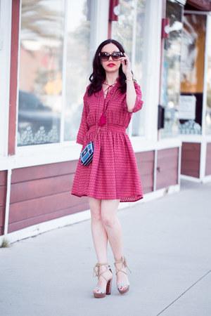 hot pink GoodNight Macaroon dress - blue Moschino bag