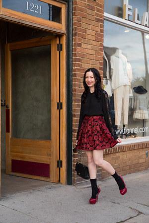 brick red Alice & Olivia skirt - black The Kooples shirt - black Chanel bag